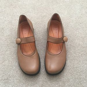 ⭐️Murtosa Leather Tan Mary Jane Clogs Shoes